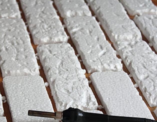 Декоративная плитка из пенопласта