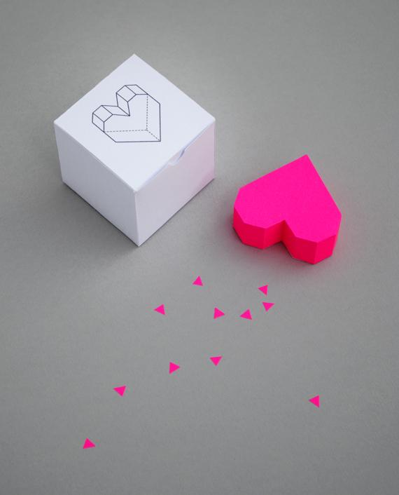 Сделать объемное сердце из бумаги своими руками