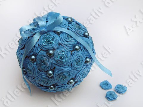 Новогодний шарик из салфеток своими руками