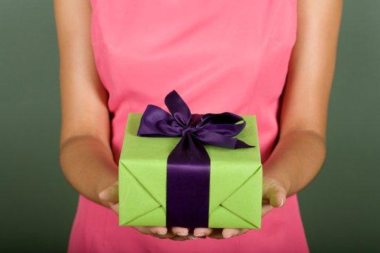 Подарок девушке на день рождения видео